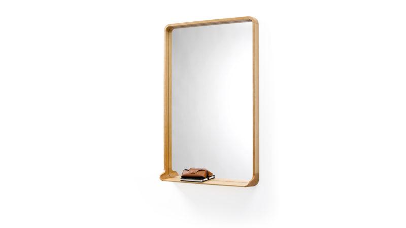 Designermöbel der Röthlisberger Kollektion. Spiegel Mirrör ist mit seiner konischen Form ein Hingucker in jeder Wohnung. Erhältlich in Nussbaum, Waldkirsche, Weisstanne weiss oder schwarz