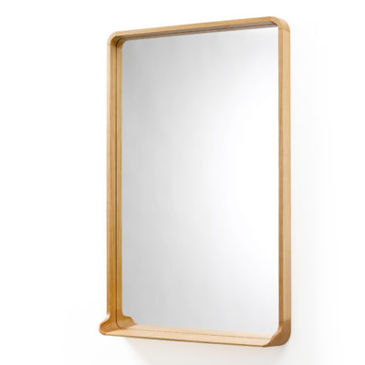 Designermöbel der Röthlisberger Kollektion. Spiegel Mirrör ist mit seiner konischen Form ein Hingucker in jeder Wohnung. Erhältlich in Nussbaum, Waldkirsche, Weisstanne weiss oder schwarz.